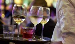 Ofertas de camarero en toda España para la campaña de Semana Santa y Verano 16